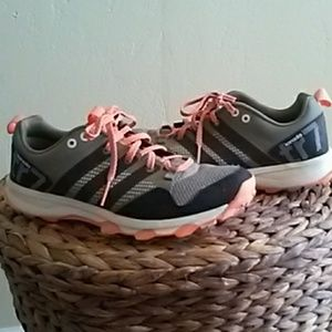 Adidas Kanadia TR7 Running Shoes